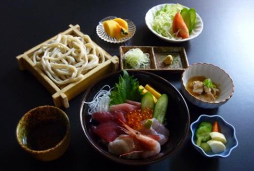 海鮮丼セット 1,500円