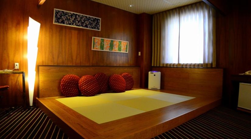 room_slide03.jpg